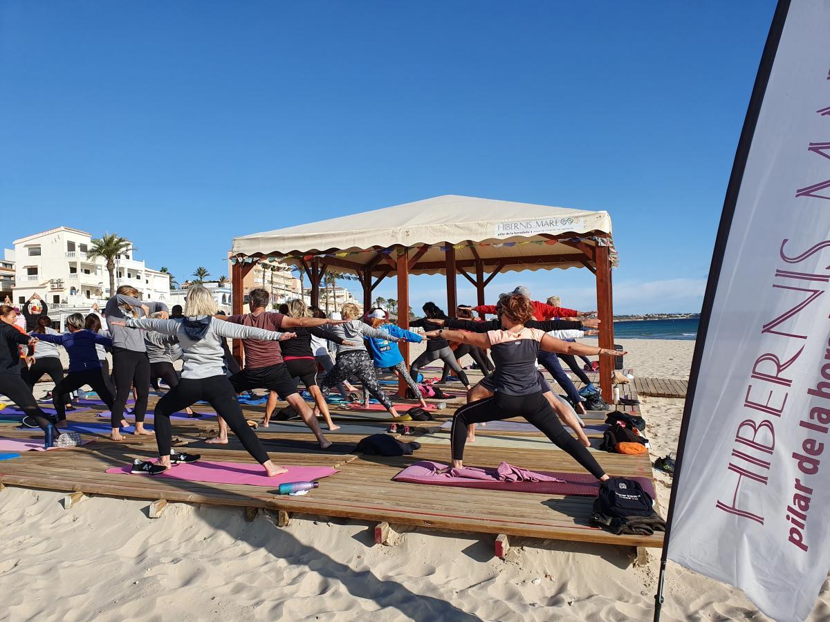 hatha yoga hibernis mare mil palmeras pilar de la horadada playa de invierno